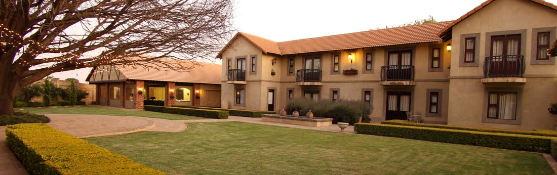 Accolades accommodation outside